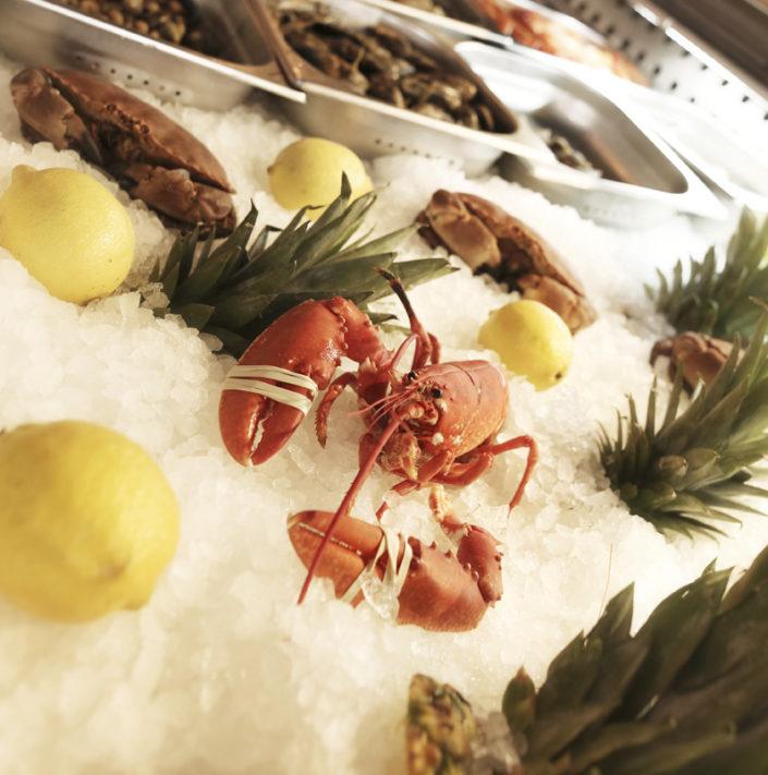 Restaurant L'Institution by Brocherie Mandelieu Spécialités de poissons et fruits de mer à Juan-les-Pins - Les crustacés