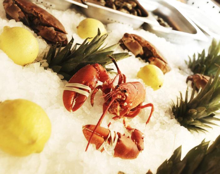 La vente à emporter, fruits de mer à emporter au Restaurant L'Institution by Brocherie Mandelieu à Juan-les-Pins